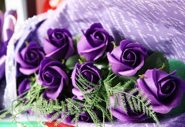 Hoa hồng tím hiện nay được rất nhiều người yêu thích và lựa chọn dành tặng sinh nhật những người thân yêu
