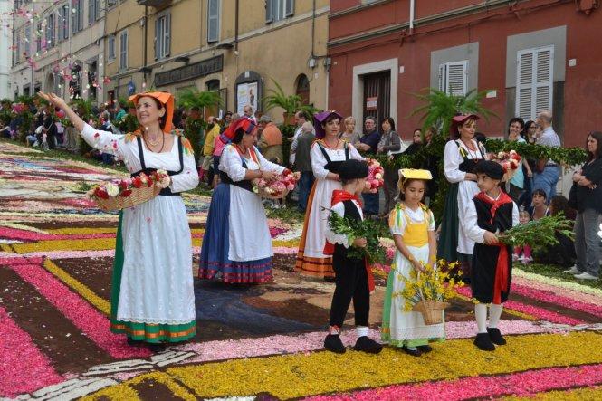 Lễ hội hoa Genzano Infiorata ở Ý
