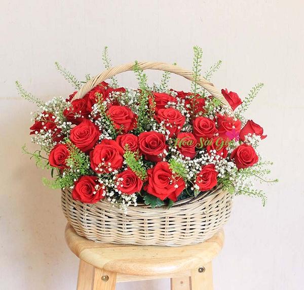 Bạn có thể dành tặng giỏ hoa Tình yêu mặn nồng cho những người phụ nữ quan trọng nhất
