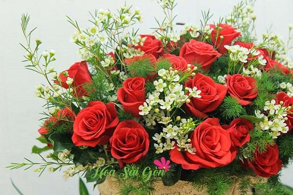Trong tình yêu hoa hồng đỏ mang ý nghĩa bày tỏ sự chân thành bất chấp mọi khó khăn