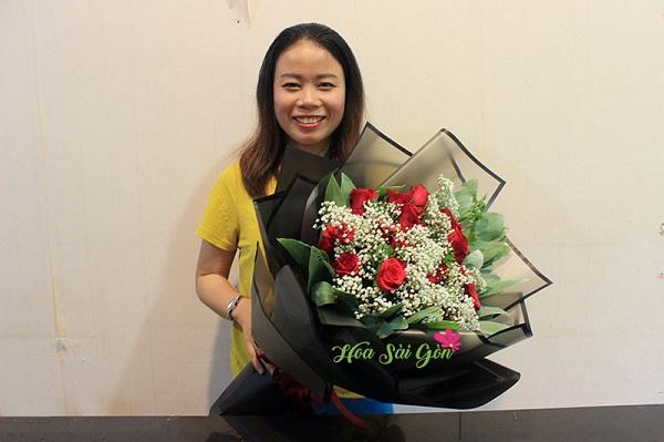 Bó hoa mang đến không khí tươi vui và tràn ngập hạnh phúc
