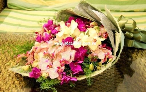 Một bó hoa lan dành tặng cho thầy cô vào ngày 20 tháng 11